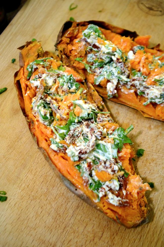 Pieczone Bataty Nadziewane Feta Z Suszonymi Pomidorami Kuchenne